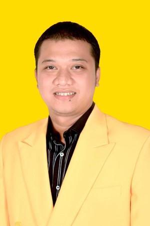 Daniel Mutaqien, Anak Eks Bupati Yance yang Dijodohkan dengan Emil