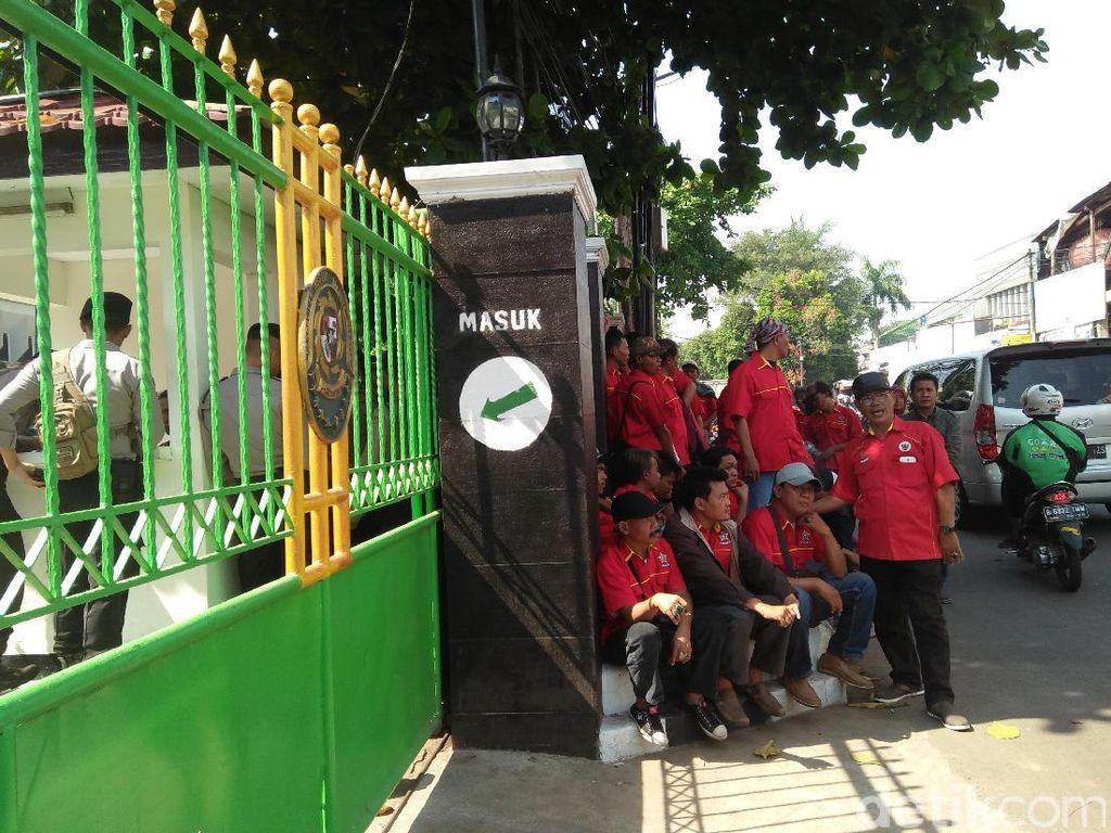 Pendukung Novanto Bertambah, Pengamanan Praperadilan Ditingkatkan