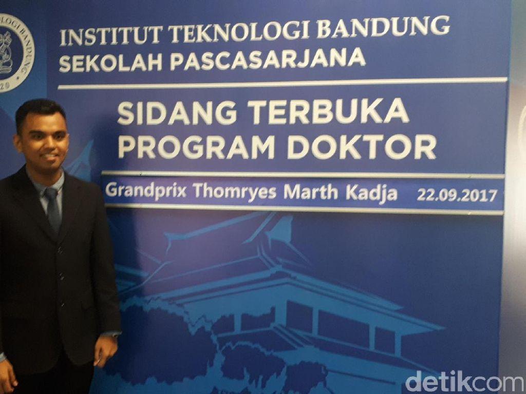 Grandprix Doktor Termuda Indonesia Raih Predikat Cum Laude