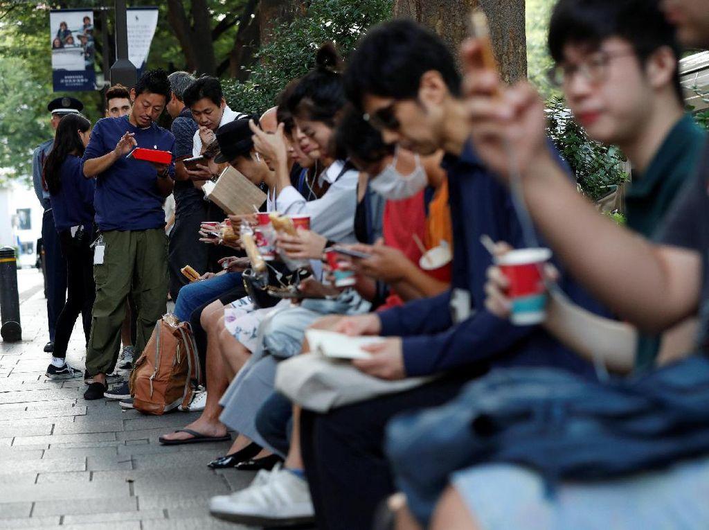 Antrean Pembeli iPhone 8 Sepi