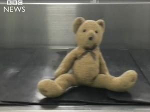Bandara Glasgow Dipenuhi Boneka yang Terpisah dari Pemiliknya