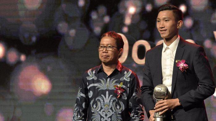 Wakil Ketua Umum PSSI Joko Driyono (kiri) (Fikri Yusuf/Antara)