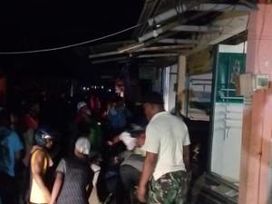 Kepanikan Warga di Tengah Kebakaran Pasar Benteng Pancasila