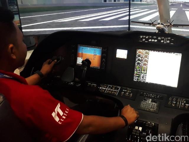 Menjajal Cockpit Pesawat N219 di IDB Expo 2017