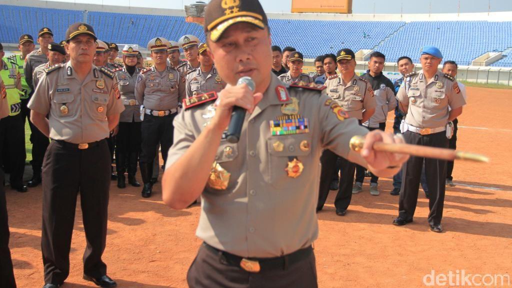 Polisi Berlatih Bahasa Inggris untuk Kawal Asian Games di Jabar