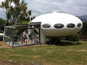Unik, Ada Rumah Berbentuk UFO di Selandia Baru