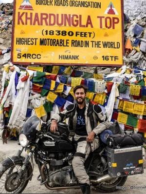 Pria Ini Keliling 35 Negara Naik Sepeda Motor