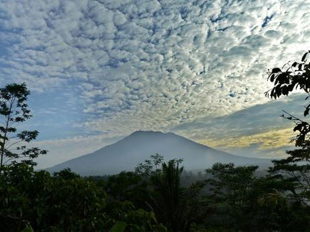 Negara-negara Ini Rilis Imbauan Perjalanan Terkait Gunung Agung