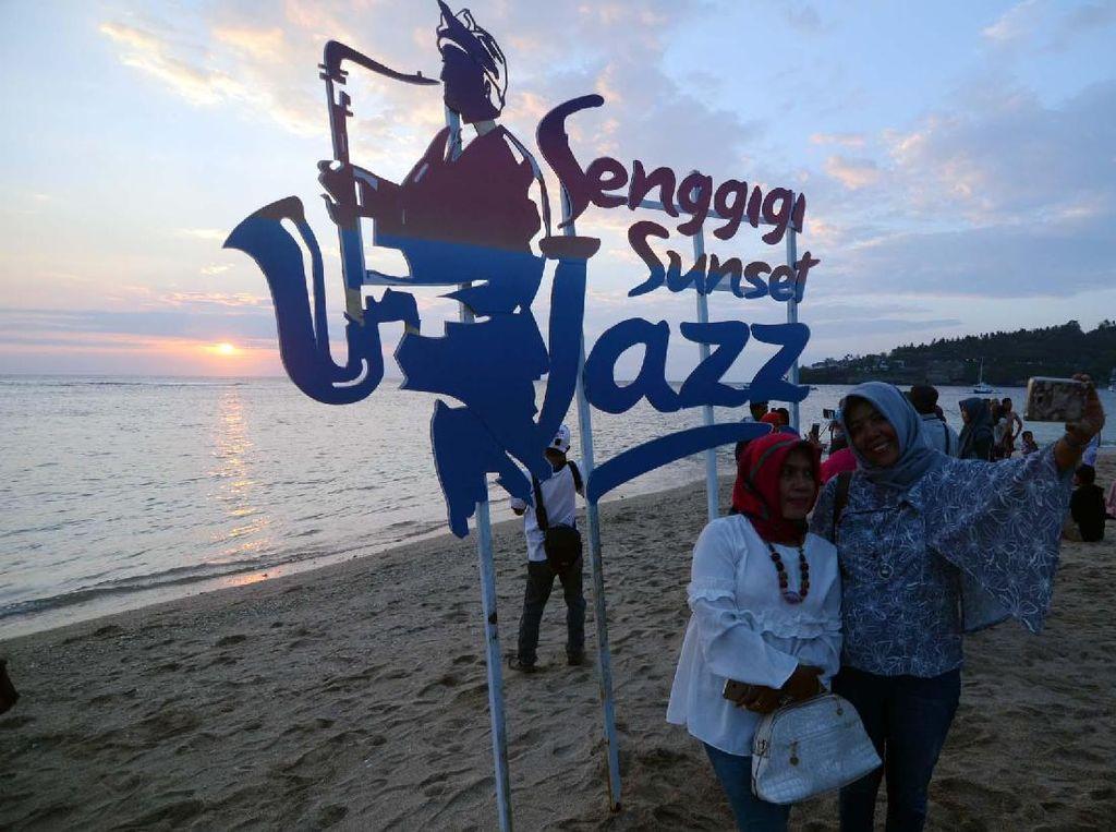 Romantisme Senggigi Sunset Jazz