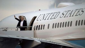 Pesawat Kepresidenan Air Force One ala Donald Trump