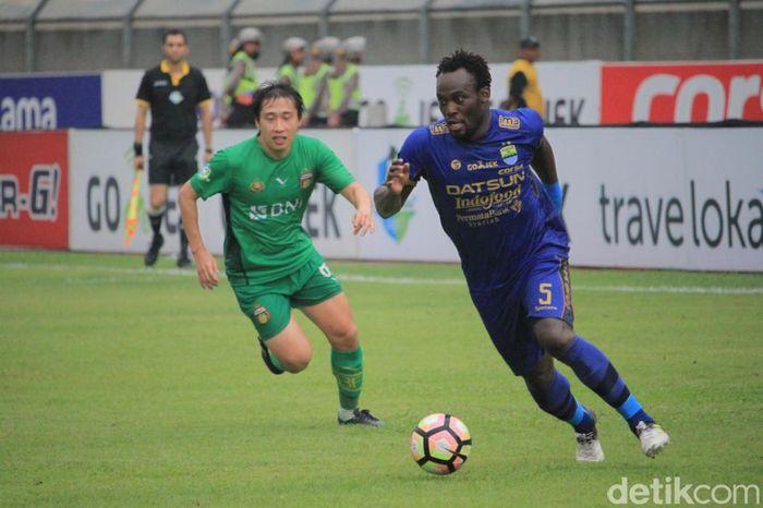 Menjamu Bhayangkara FC di lanjutan Liga 1, Persib Bandung selamat dari kekalahan dengan skor akhir 1-1.