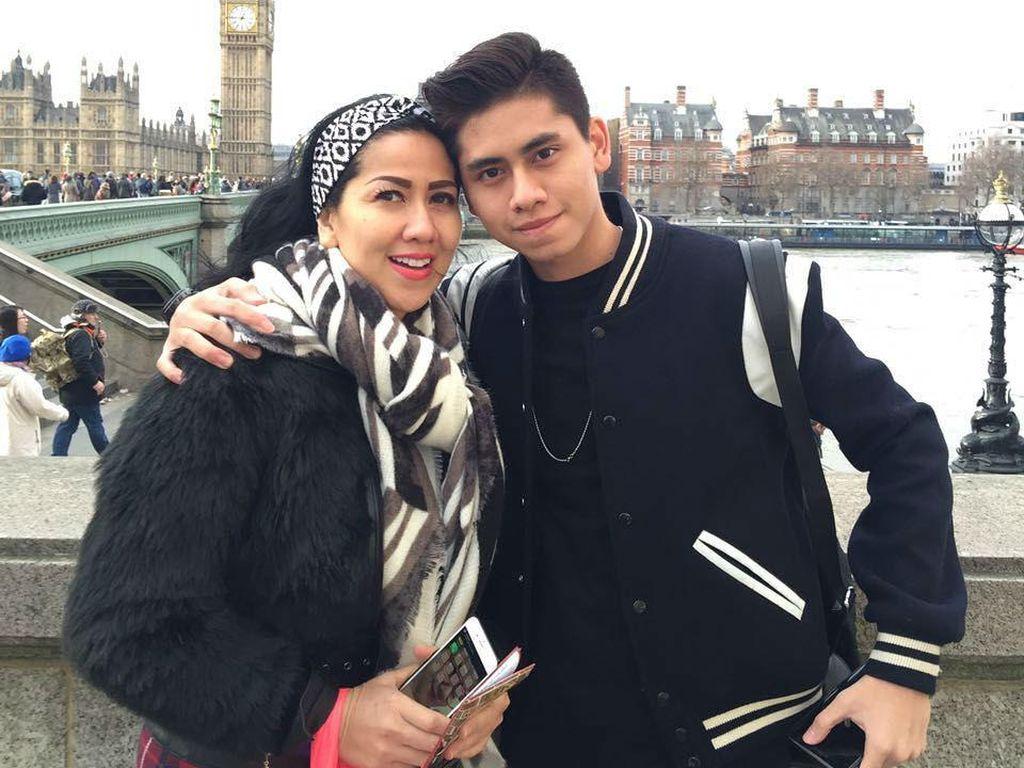 Putra Venna Melinda Sempat Bingung saat Kecelakaan Mobil
