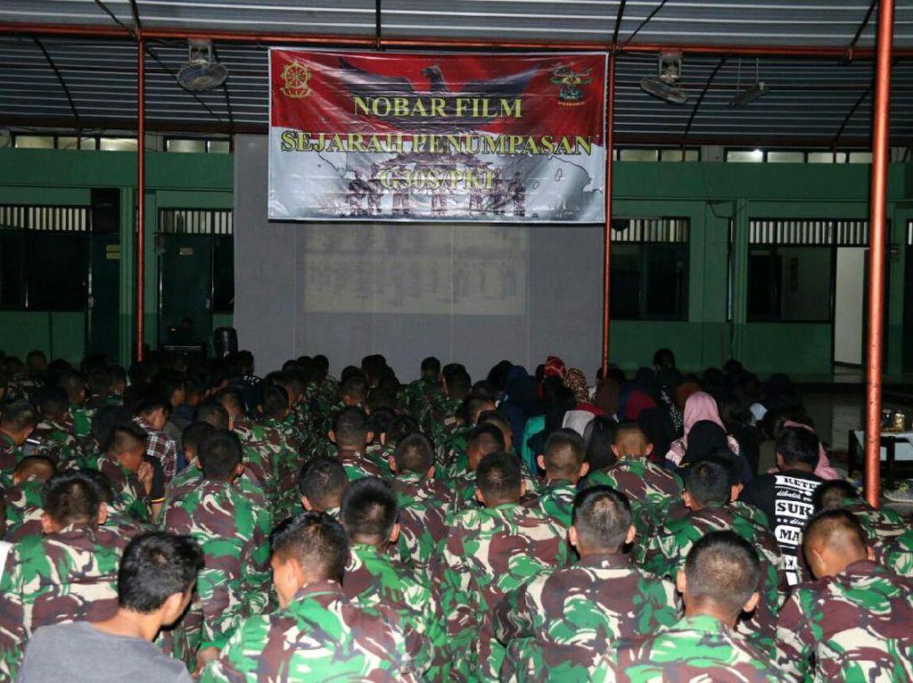 Korem Solo Nobar Film G30S/PKI di Lapangan Kottabarat Malam Ini