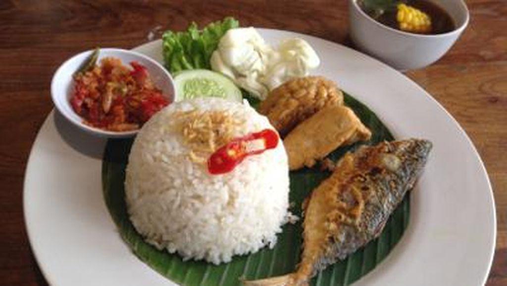 10 Olahan Nasi Bercampur Ikan Asin yang Enak Dinikmati di Akhir Bulan