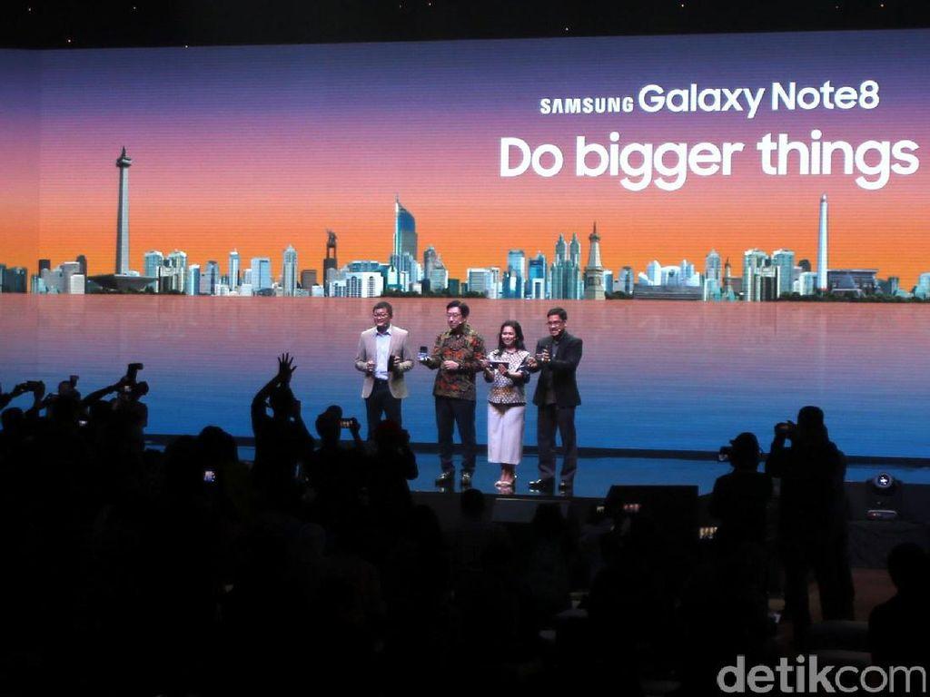 Ditinggal BlackBerry, Segmen Bisnis Jadi Incaran Galaxy S8 & Note 8