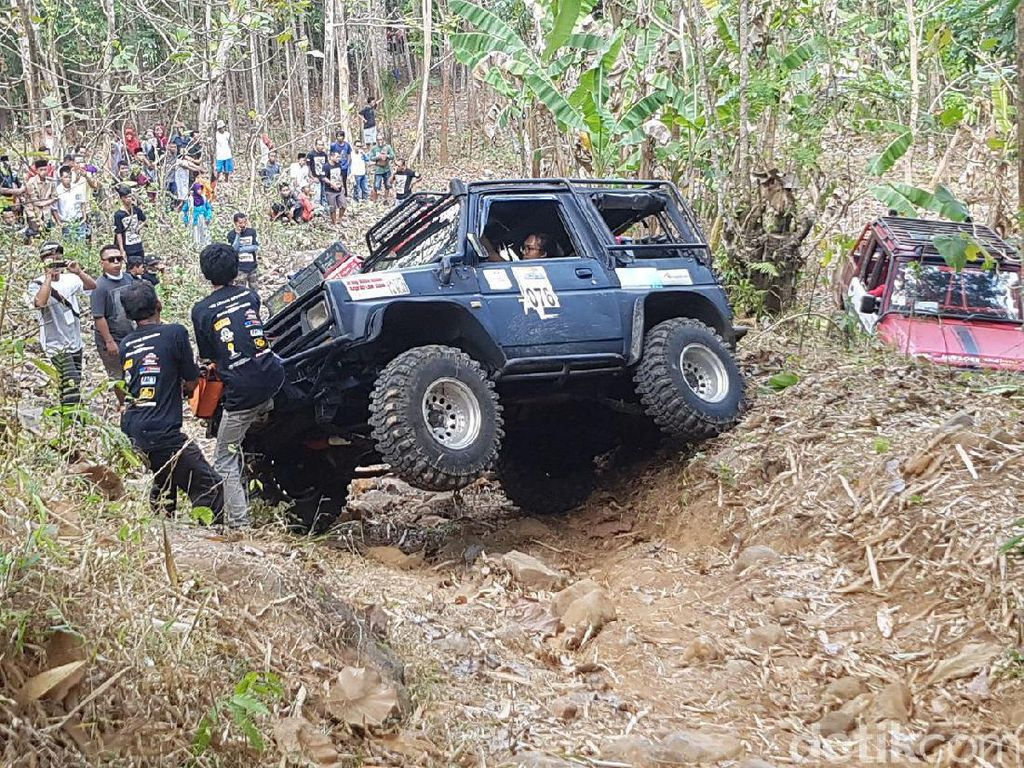 Ratusan Mobil 4x4 Hajar Habis Medan Offroad di Purworejo