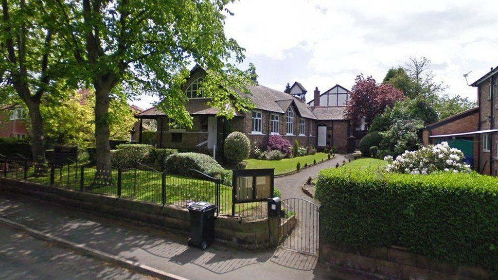 Ahli Bedah Pengurus Masjid Manchester Ditikam Saat Hendak Salat