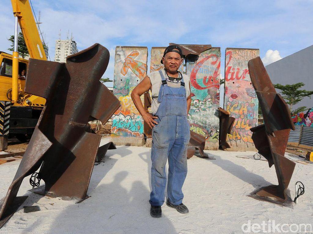 Keren! Potongan Tembok Berlin Mejeng di RPTRA Kalijodo