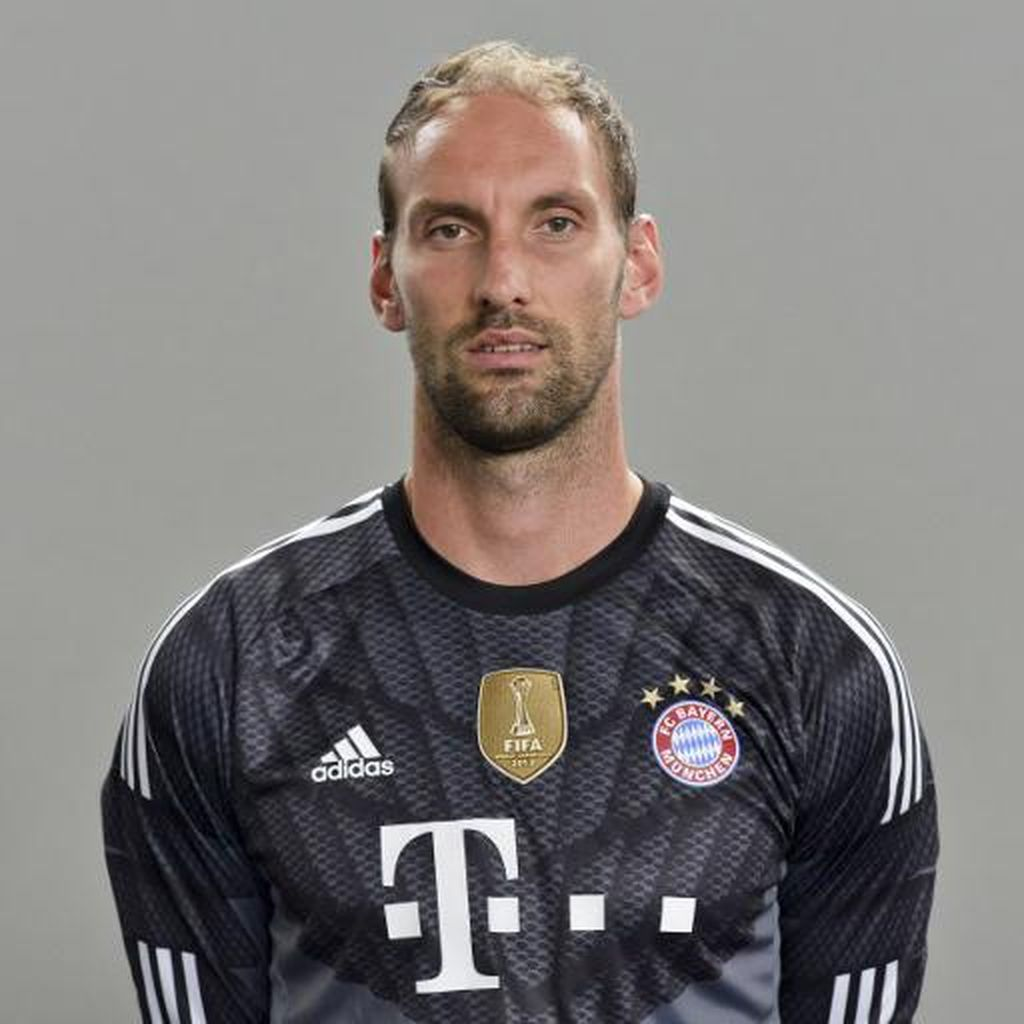 Neuer Cedera, Bayern Daftarkan Pelatih Kiper ke Liga Champions