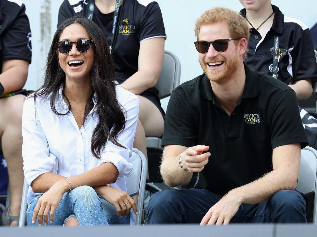Netizen Sambut Gembira Pertunangan Pangeran Harry dan Meghan Markle