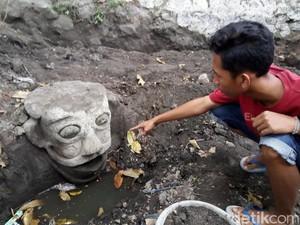 Heboh Penemuan Patung Mirip Badut Pennywise Film It di Klaten
