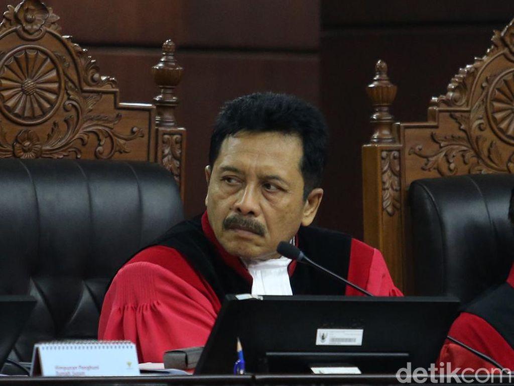 Hakim Pertanyakan Tim Prabowo soal 12 Truk Dokumen Tak Bisa Masuk MK