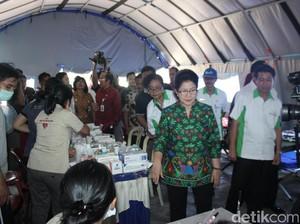 Ke Pos Kesehatan Pengungsi Gunung Agung, Menkes Cek Persediaan Obat