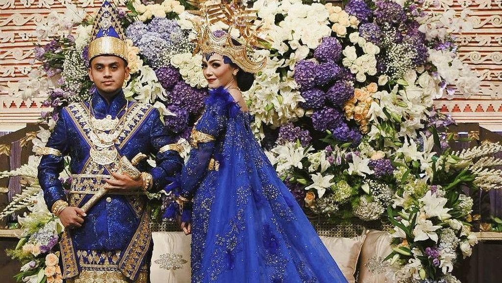 10 Inspirasi Pernikahan Anak Ketua MPR dengan Busana Adat Lampung