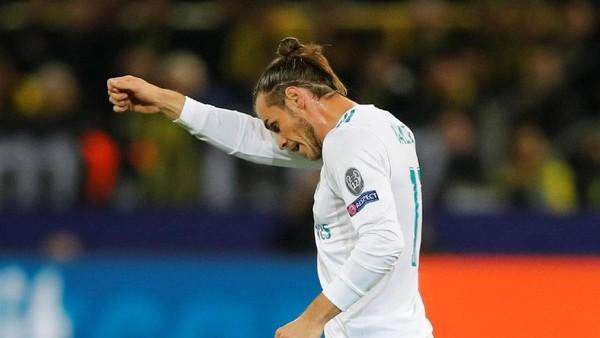 Sinar Bale di Signal-Iduna Park
