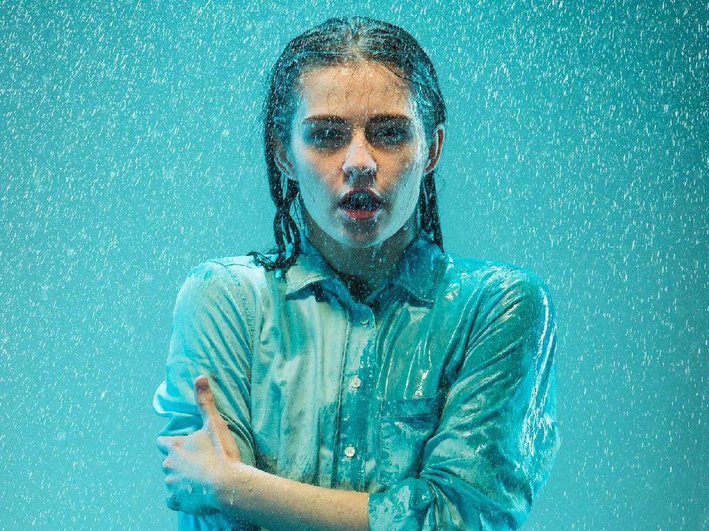 Kehujanan? Ini yang Harus Segera Dilakukan Agar Tak Gampang Jatuh Sakit