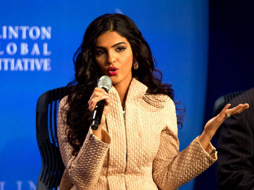 Putri Ameerah Sumringah Wanita Arab Boleh Nyetir