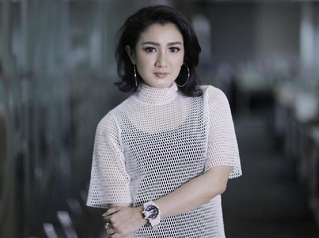 Melly Mono Sedih Tayangan Televisi Lokal Umbar Aib dan Raup Untung