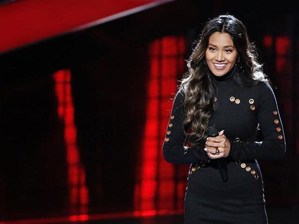 Maharasyi Hansa, Keponakan Emilia Contessa yang Lolos Blind Audition The Voice Amerika
