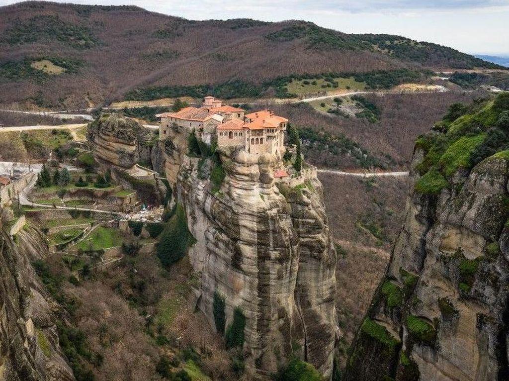 Foto: Biara di Atas Langit