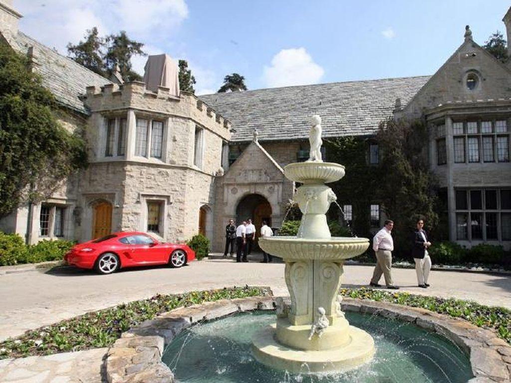 Foto: Intip Rumah Mewah Hunian Bos Playboy Hugh Hefner Sebelum Meninggal