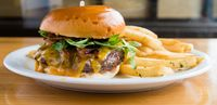 Wow! 6 Burger dengan Daging Juicy dan Keju Leleh Wajib Dicoba Saat Ke Los Angeles