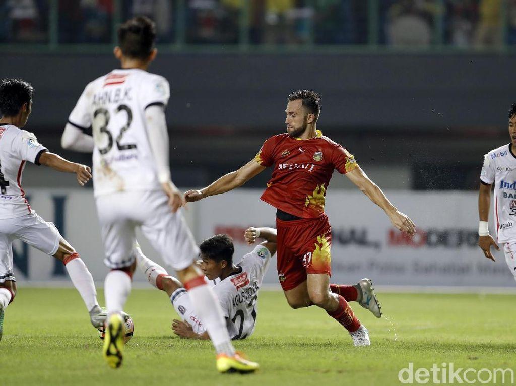 Libas Bali United, Bhayangkara FC Kokoh di Puncak