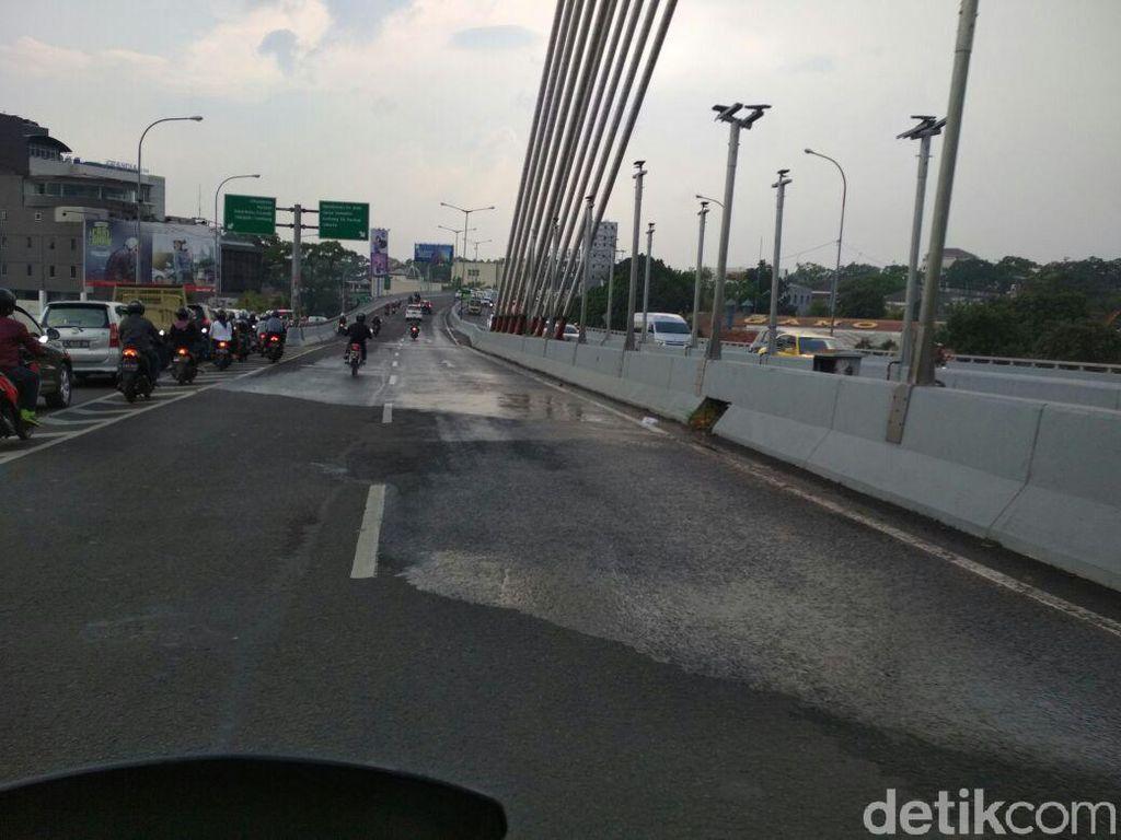 Hujan Deras Guyur Bandung, Jembatan Pasupati Sempat Banjir