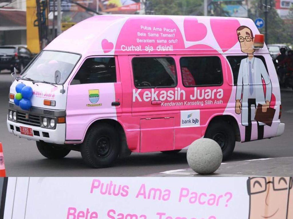 Foto: Kekasih, Mobil Tempat Curhat untuk Cegah Masalah Mental di Bandung