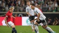 Jerman Tanpa Oezil dan Khedira di Laga Terakhir Kualifikasi Piala Dunia 2018