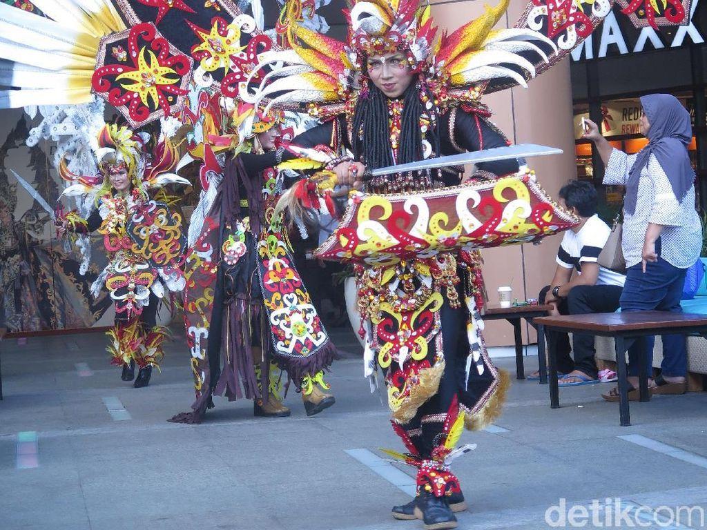 Pesta Karnaval Terbesar Indonesia Jember Fashion Carnaval Hadir di Bali