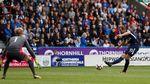 Tottenham Terlalu Tangguh untuk Huddersfield
