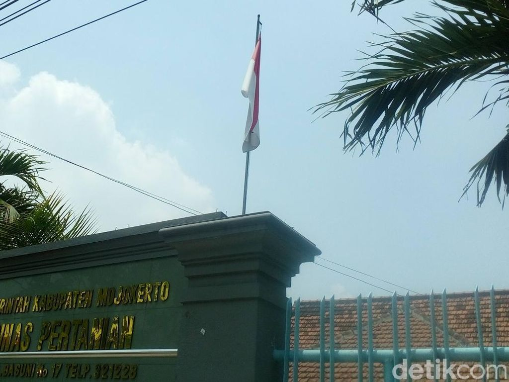 Masih Ada Instansi di Mojokerto Tak Kibarkan Bendera Setengah Tiang