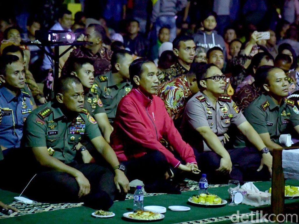 Jokowi Mengaku Sudah 3 Kali Nonton Film Penghianatan G30S/PKI