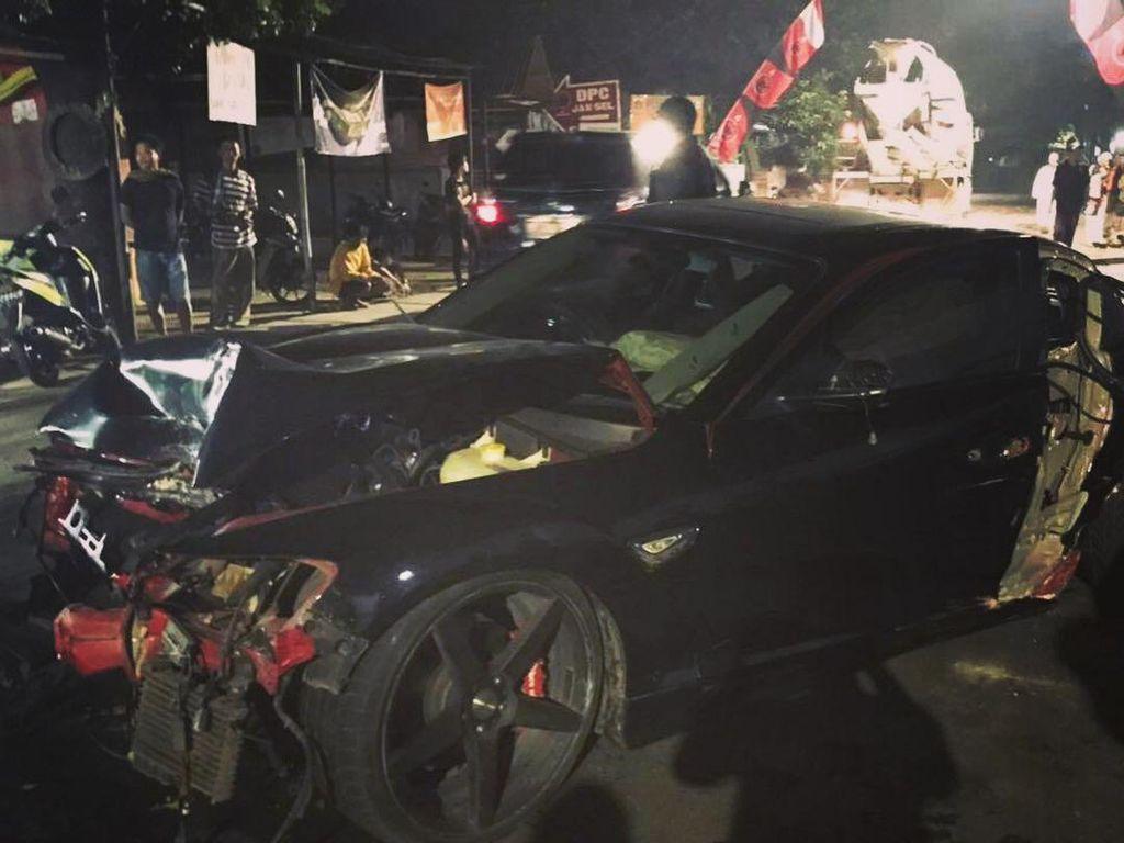 Video: Adik Verrell Bramasta Kecelakaan, Mobilnya Hancur