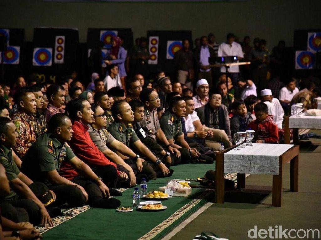 Momen Jokowi Nobar Film G30S/PKI