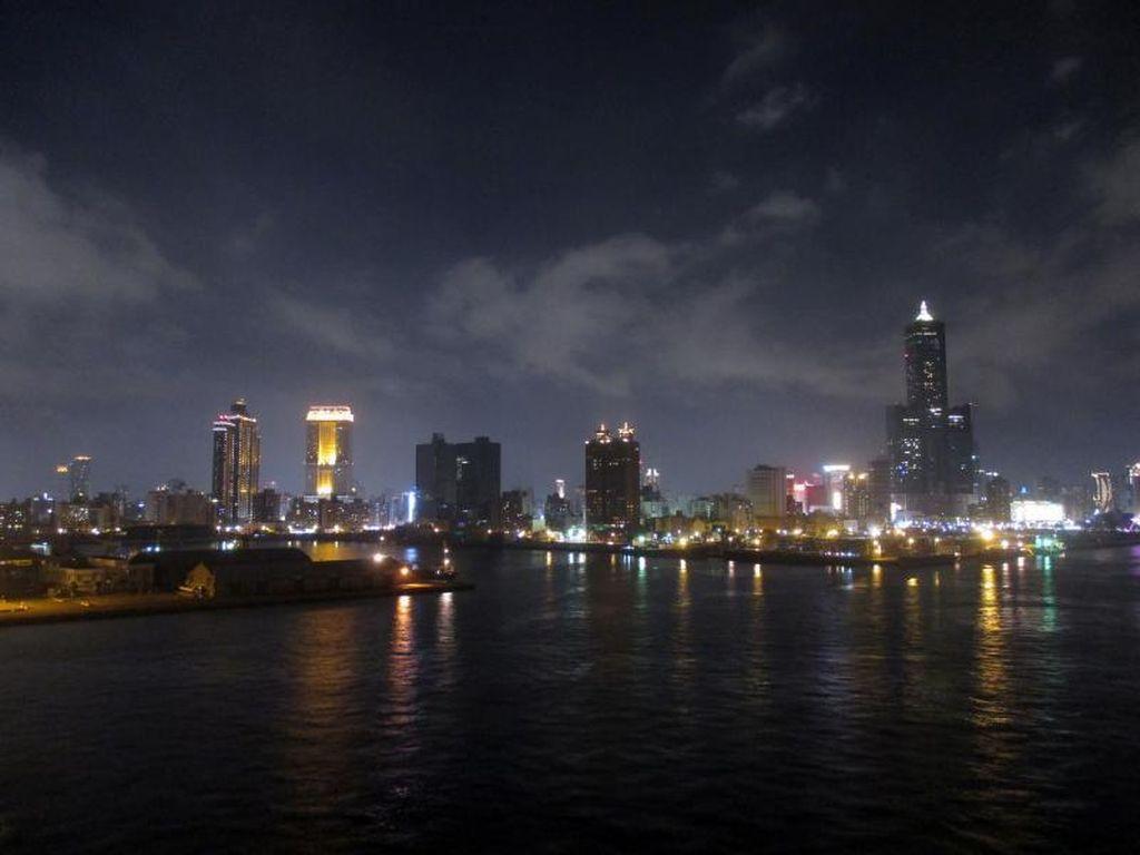 Naik Kapal Pesiar Mewah Sampai Taiwan