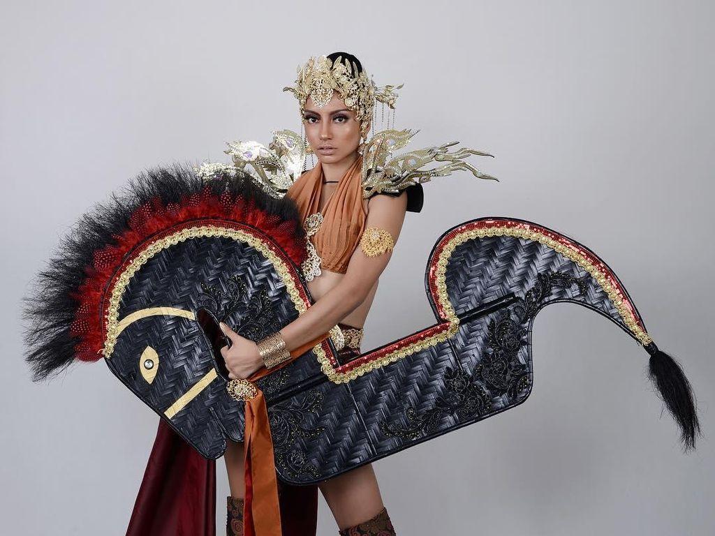 Miss Grand Malaysia Ulang Kontroversi 2017, Dulu Kuda Lumping Kini Batik