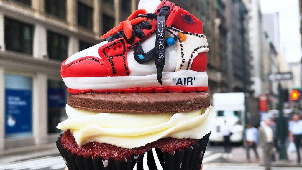 Pencinta Sneaker, Ini Nih Cupcake Topping Sneaker yang Keren!