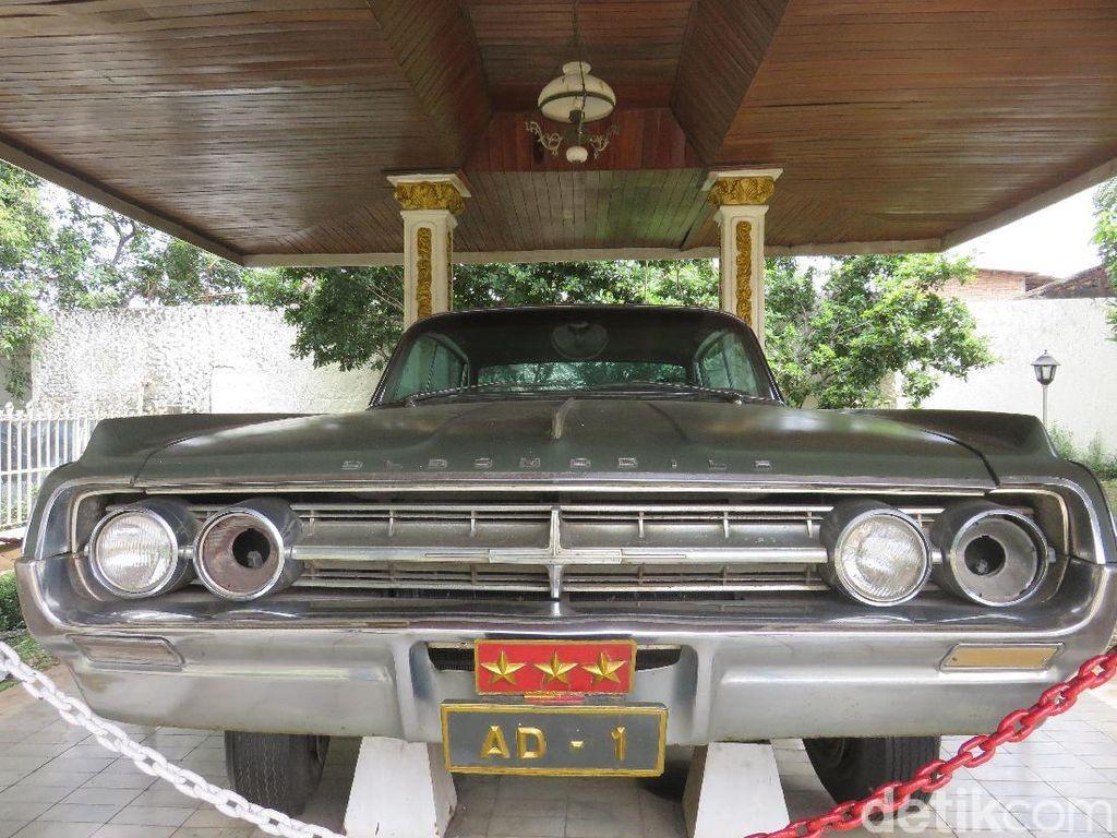 Melihat Mobil Dinas Jenderal Ahmad Yani yang Gugur dalam G30S/PKI
